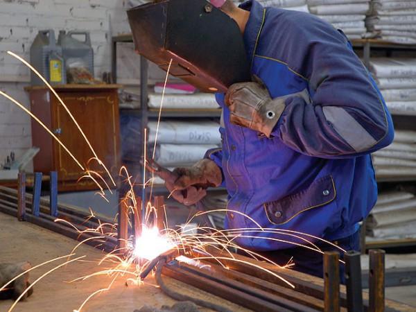 Электроды для всех видов сварочных работ во время строительства.