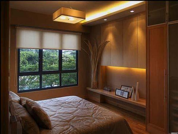 Интерьер в спальной комнате небольших габаритов