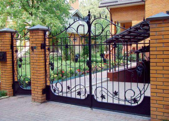 Изгороди и заборы для дома