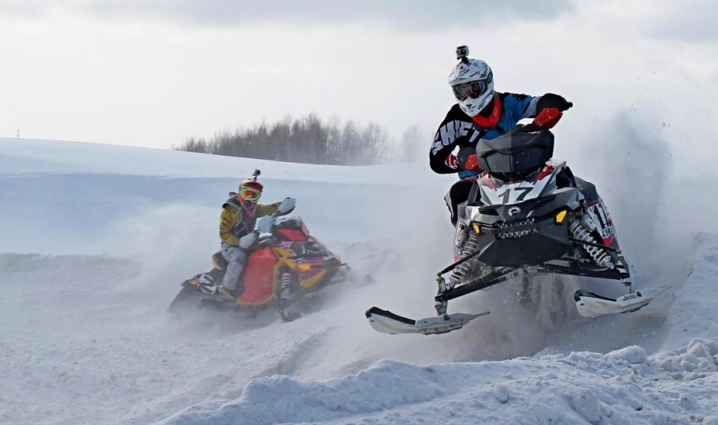 Зимний отдых на снегоходах: правила безопасности